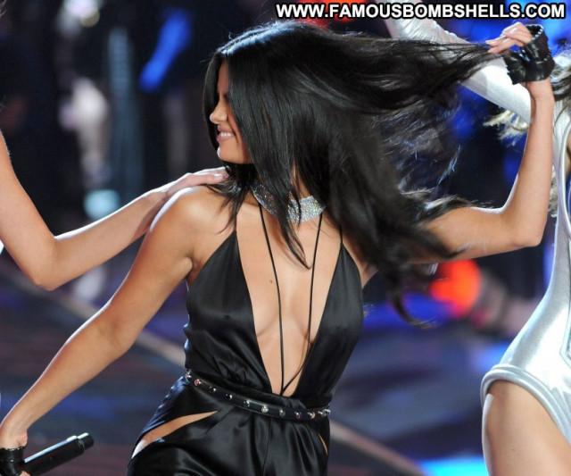 Selena Gomez Fashion Show Babe Beautiful Celebrity Fashion Posing Hot