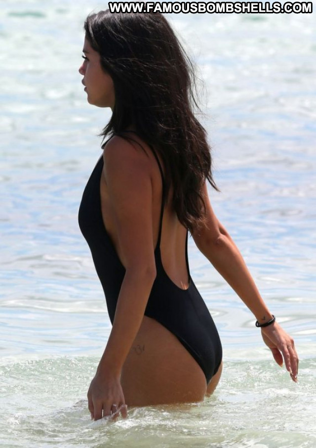 Selena Gomez Posing Hot Beautiful Celebrity Babe Swimsuit Candids Sexy