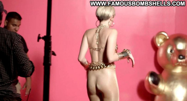 Miley Cyrus No Source Celebrity Posing Hot Babe Beautiful