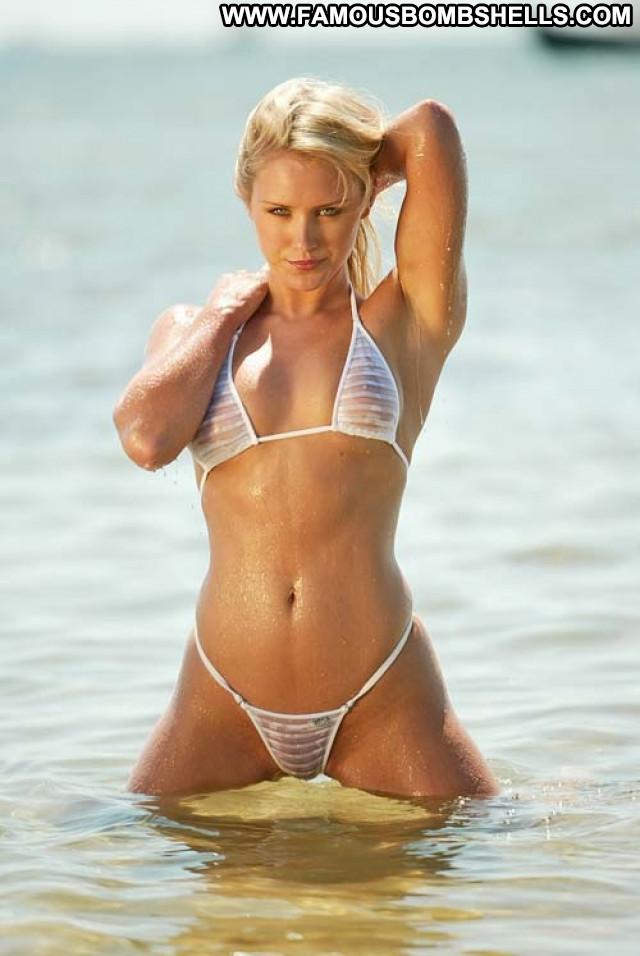 Nicky Whelan No Source Posing Hot Beautiful Babe Sexy Celebrity