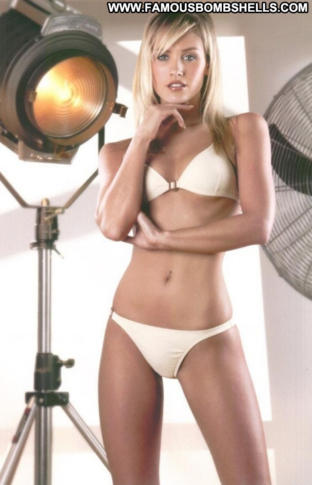 Nicky Whelan No Source Celebrity Sexy Actress Beautiful Posing Hot