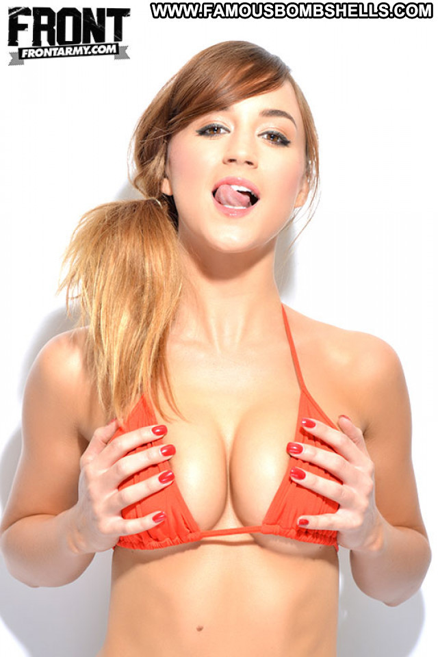 Rosie Jones No Source Posing Hot Beautiful Topless Babe Celebrity