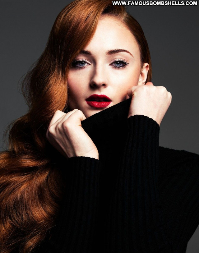 Sophie Turner Celebrity Posing Hot Beautiful Sexy Babe Actress