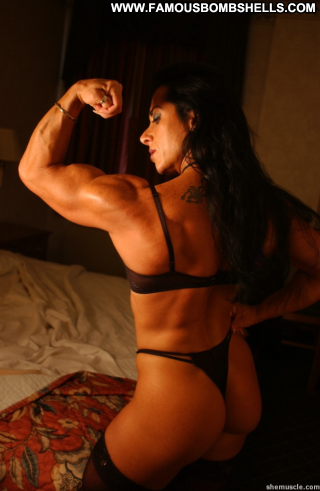 amateur-female-bodybuilder-carnalio-gif