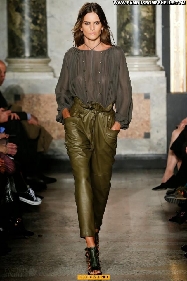 Izabel Goulart No Source Beautiful Babe Posing Hot Celebrity Fashion