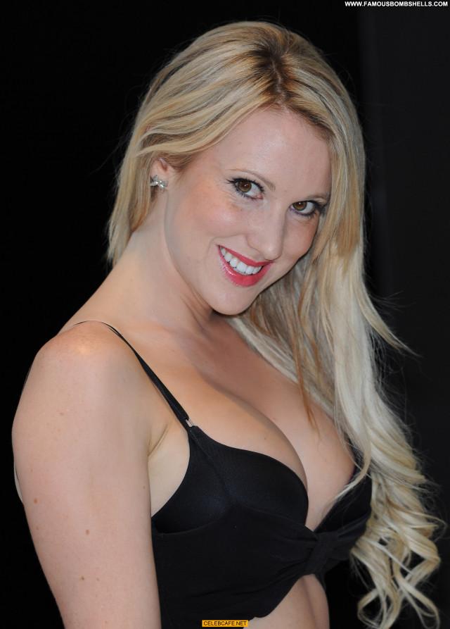 Rebecca Ferdinando Total Recall Babe London Cleavage Uk Celebrity