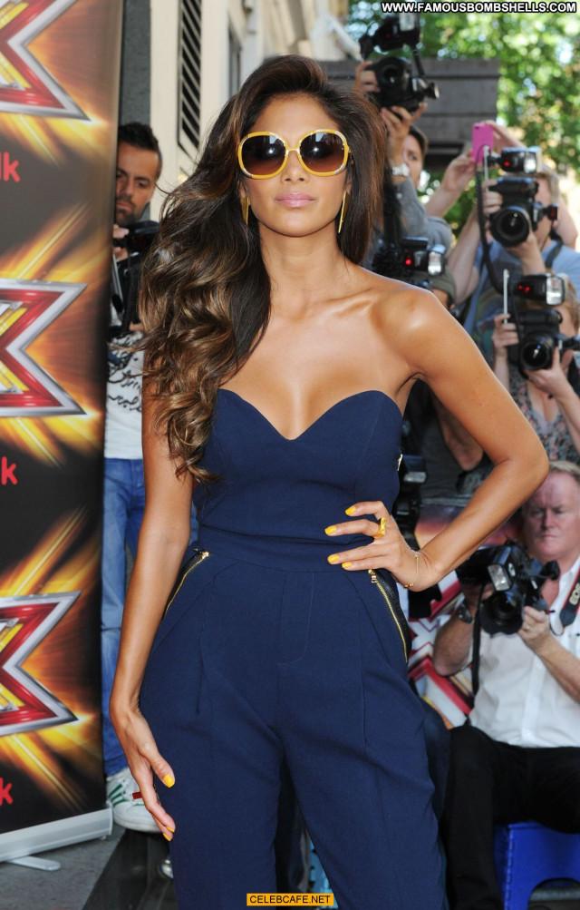 Nicole Scherzinger The X Factor Uk Sex Cleavage Uk Babe Sexy Posing