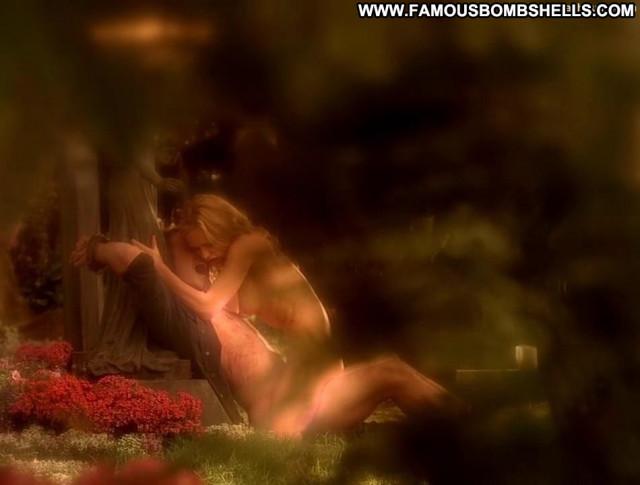 Anna Paquin True Blood  Posing Hot Black Nude Babe Beautiful Bra Tied