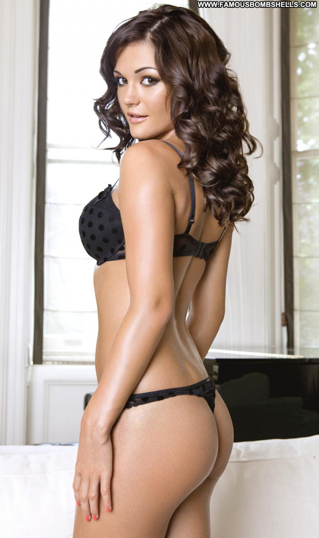 India Reynolds Photo Shoot Beautiful Ass Babe Stunning Black Bed