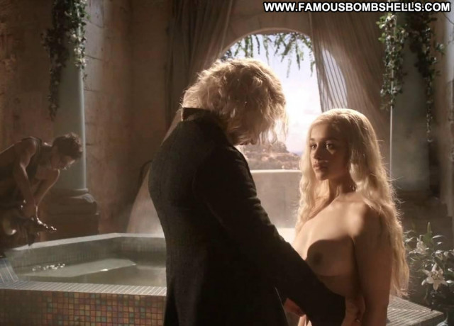 Emilia Clarke Game Of Thrones Hot Beautiful British Breasts Babe Ass