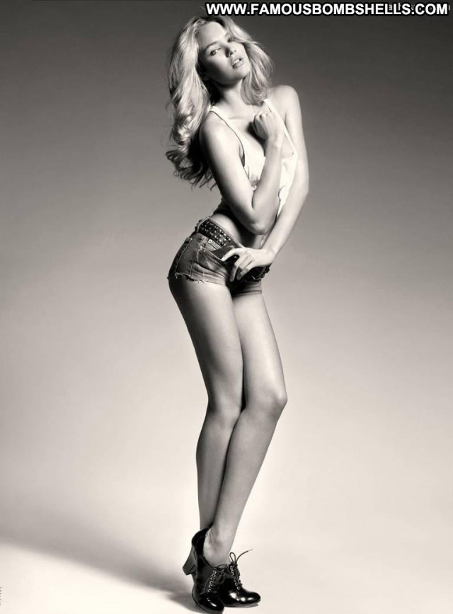 Candice Swanepoel Black And White Babe Posing Hot Beautiful Celebrity