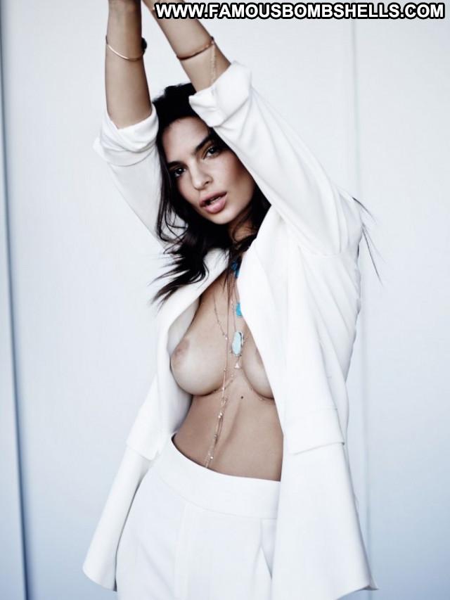 Emily Ratajkowski Sex Sexy Babe Posing Hot Beautiful Naughty Nude
