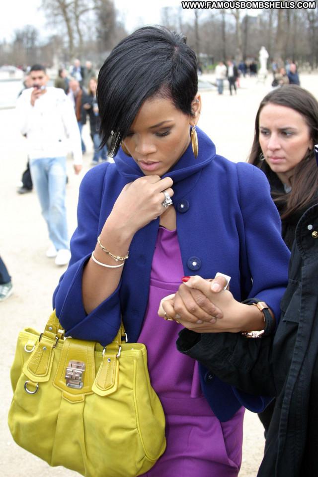 Rihanna Fashion Show Paris Fashion Celebrity Posing Hot Babe