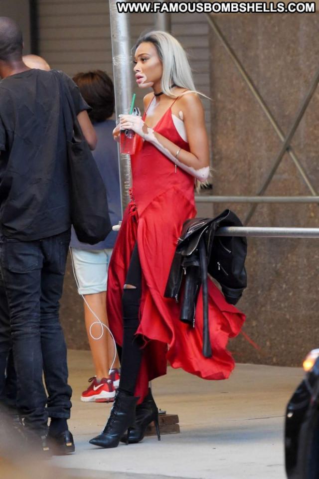 Winnie Harlow New York Babe Celebrity Beautiful Paparazzi New York