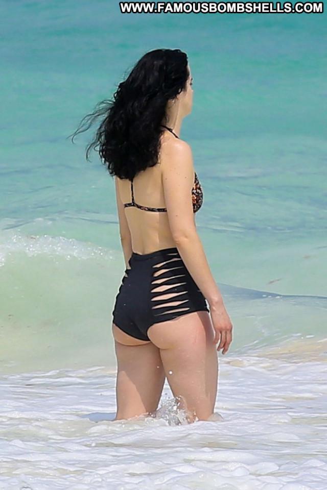 Krysten Ritter Posing Hot Beach Candid Bikini Celebrity Babe