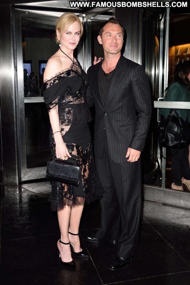 Nicole Kidman New York Beautiful Celebrity New York Paparazzi Posing