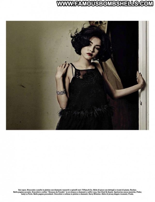 Vogue Vogue Italy Posing Hot Italy Paparazzi Beautiful Magazine Babe