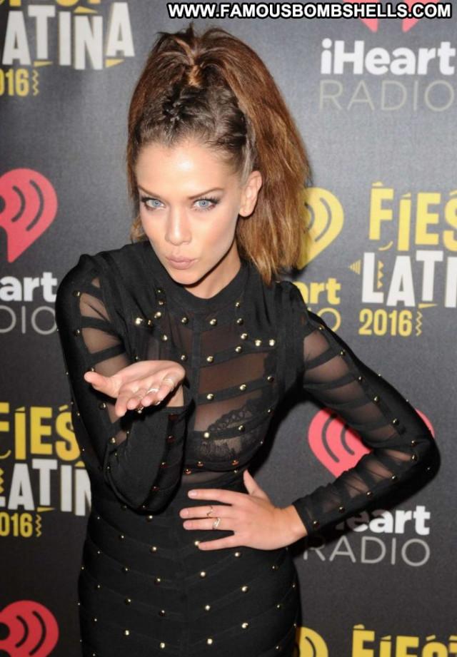 Carolina Miranda Latina Latin Posing Hot Celebrity Beautiful Babe