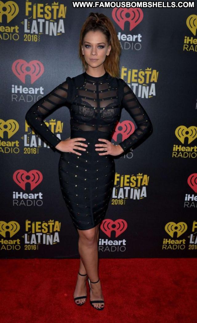Carolina Miranda Paparazzi Celebrity Latina Beautiful Babe Posing Hot