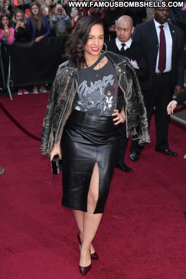 Alicia Keys No Source Posing Hot Paparazzi Celebrity Babe Beautiful