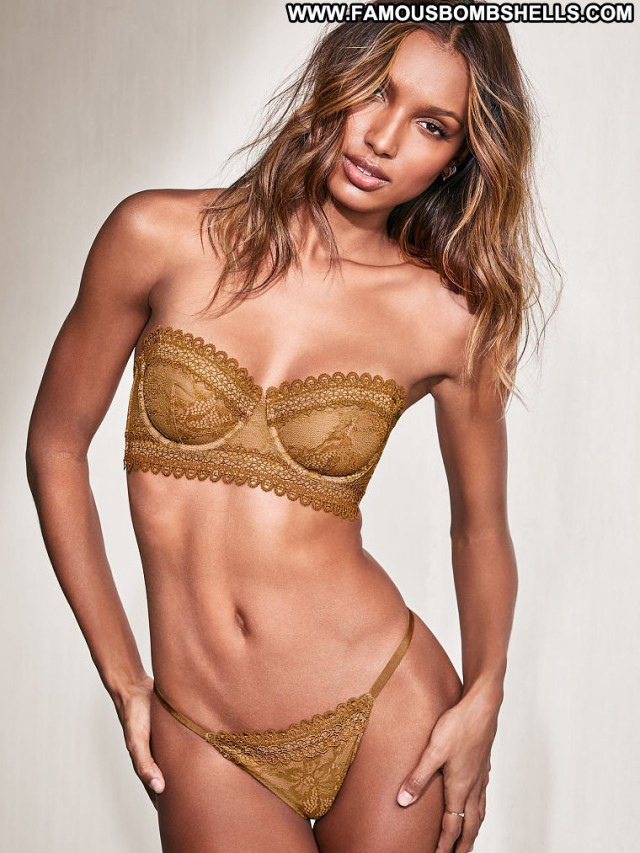Jasmine Tookes New York California Model Celebrity Posing Hot
