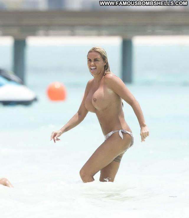 Margot Reenaers Cameron Davis Blonde Sexy Babe Toples Bra Nyc River
