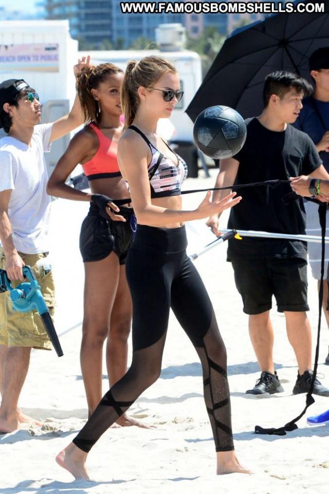 Photos Victoria Secret Posing Hot Beautiful Paparazzi Babe Beach