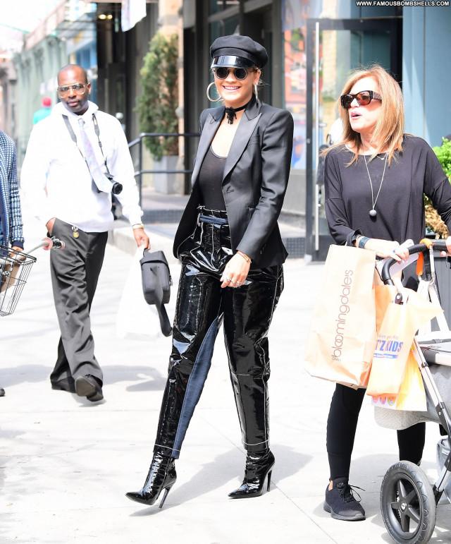 Rita Ora New York Actress Bra Black New York Singer Braless Celebrity