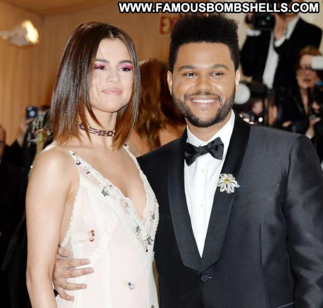 Selena Gomez No Source Paparazzi Beautiful Nyc Celebrity Babe Posing