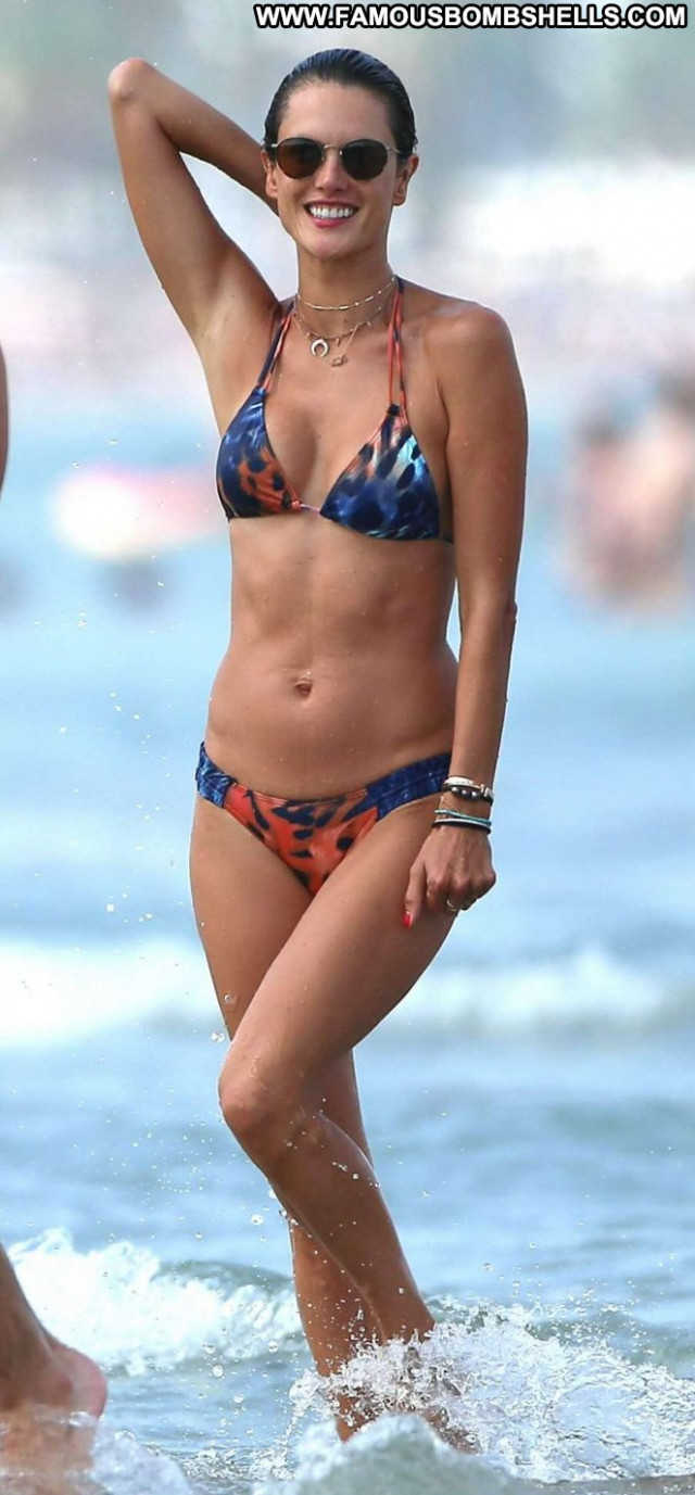 Bikini No Source  Paparazzi Ibiza Bikini Babe Posing Hot Celebrity