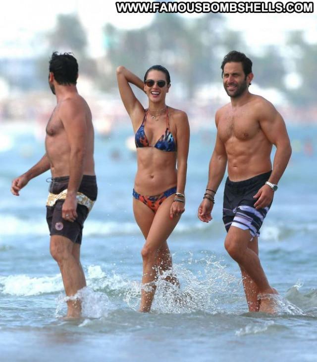 Bikini No Source Babe Celebrity Beautiful Paparazzi Posing Hot Ibiza