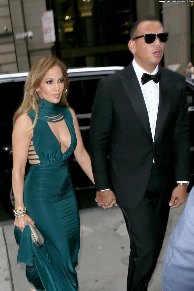 Jennifer Lopez Wall Street American Babe Wedding Twitter Singer