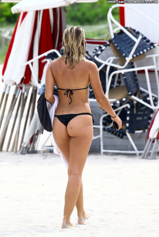 Claudia Romani Beach Bunny Black Celebrity Babe Asses Bunny Sexy