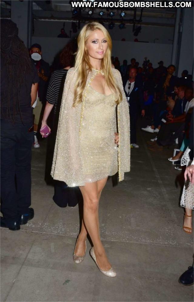 Paris Hilto Fashion Show Babe Fashion Paparazzi Beautiful Posing Hot