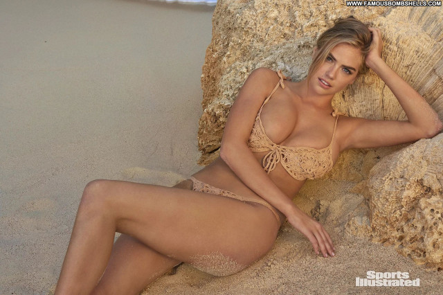 Alora Li Sports Illustrated Swimsuit Babe Celebrity Sexy Legs Sex