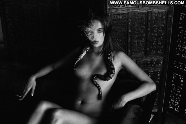 Sabrina Sancler Anna Nicole Desi Winter Sexy Summer Nyc Nude Dad Mali
