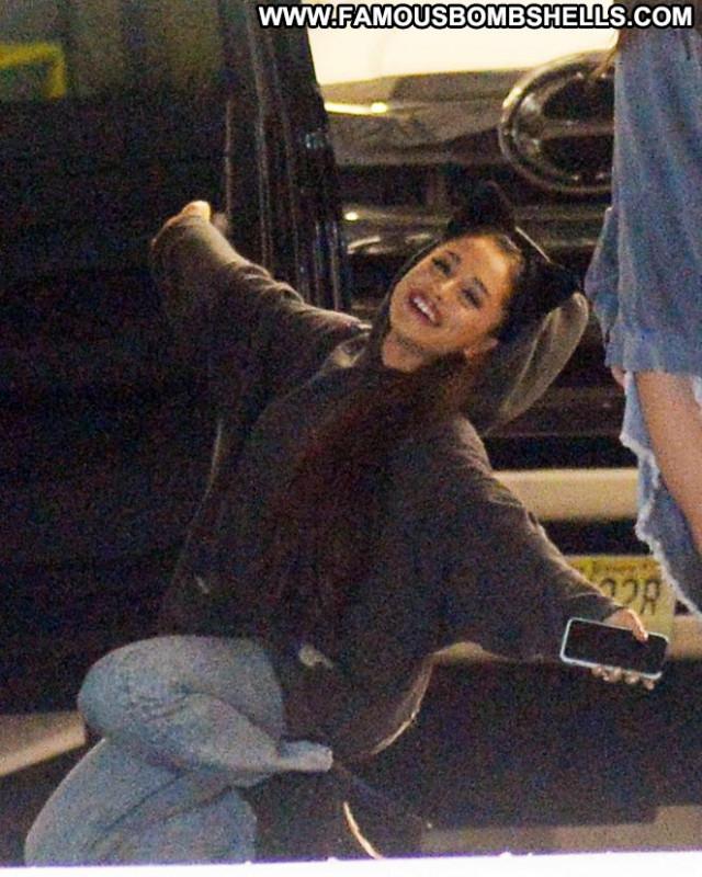 Ariana Grande New York New York Posing Hot Paparazzi Boyfriend Movie