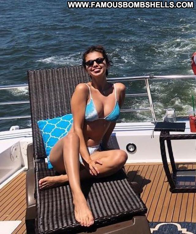 Selena Gome No Source Posing Hot Babe Celebrity Bikini Paparazzi