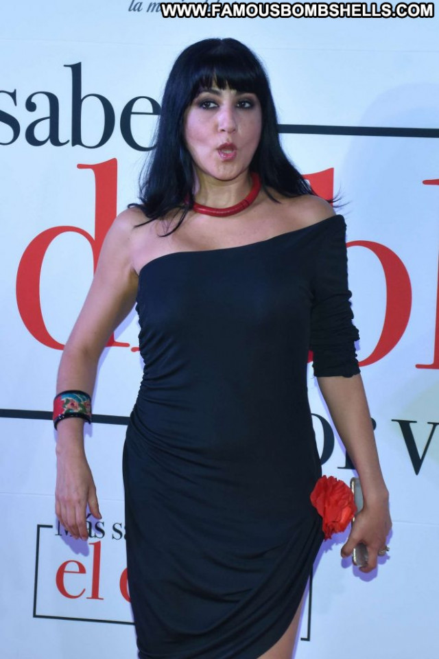 Laura De Ita No Source Paparazzi Babe Beautiful Mexico Posing Hot