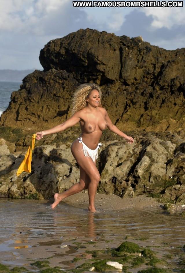 Erika Canela Cameron Davis Toples Porn Beautiful London Dad Lake Nice