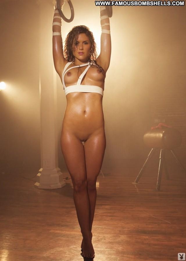 Brittney Palmer The Floor Wet Floor Sexy Babe Toes Posing Hot Bar