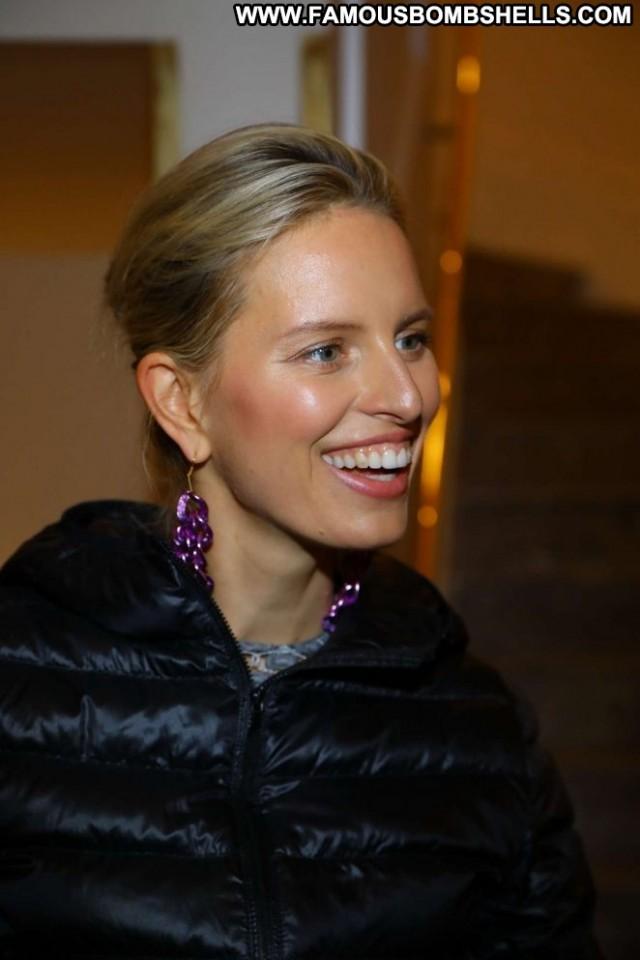 Karolina Kurkova No Source Fashion Babe Paparazzi Celebrity Posing