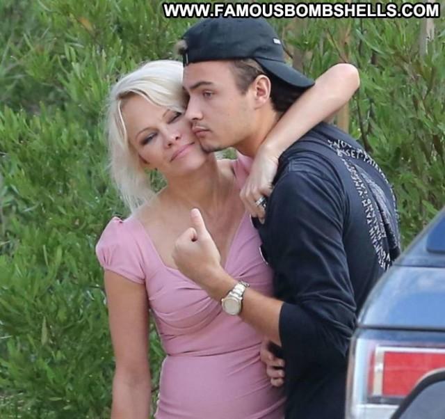 Pamela Anderson No Source Mali Posing Hot Paparazzi Babe Celebrity