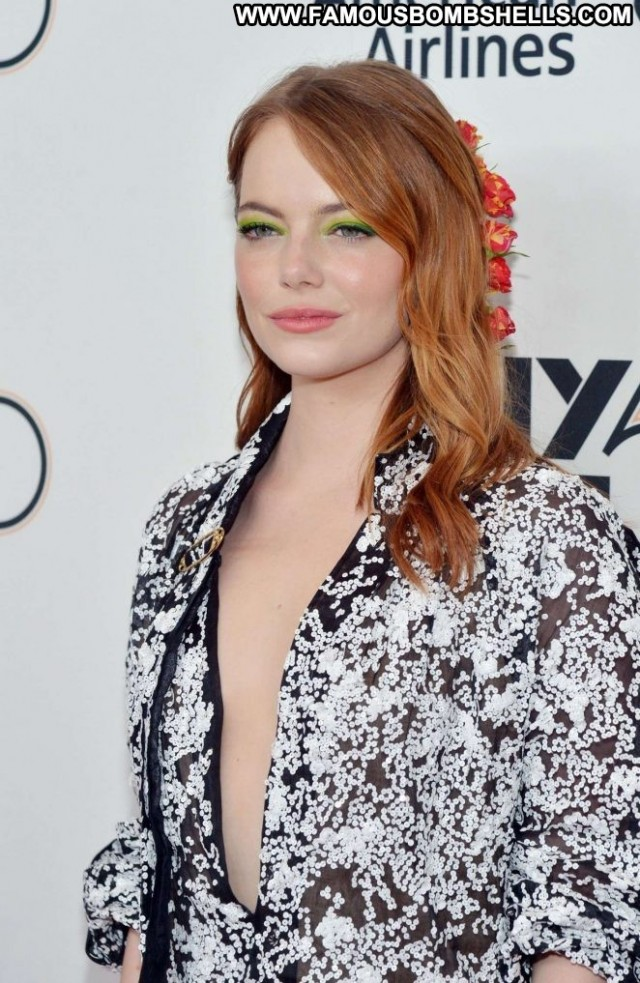 Emma Stone New York New York Posing Hot Beautiful Babe Paparazzi