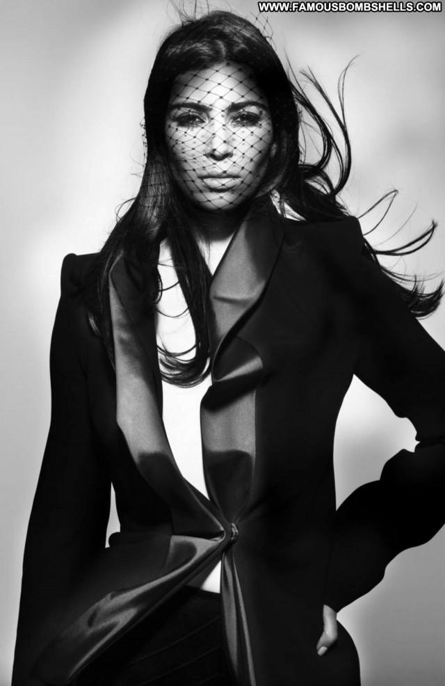 Kim Kardashian V Magazine Posing Hot Paparazzi Magazine Beautiful