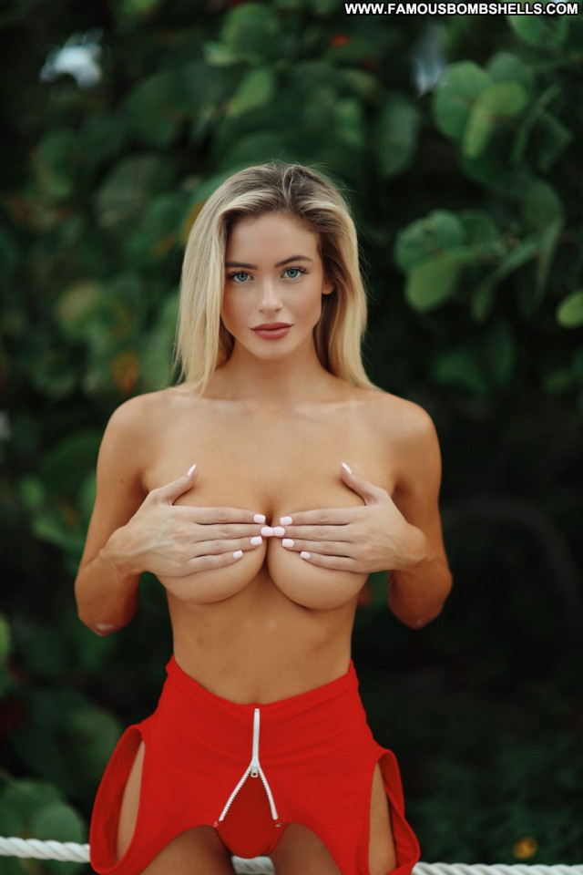 Hannah Palmer No Source Celebrity Posing Hot Toples Beautiful Breasts