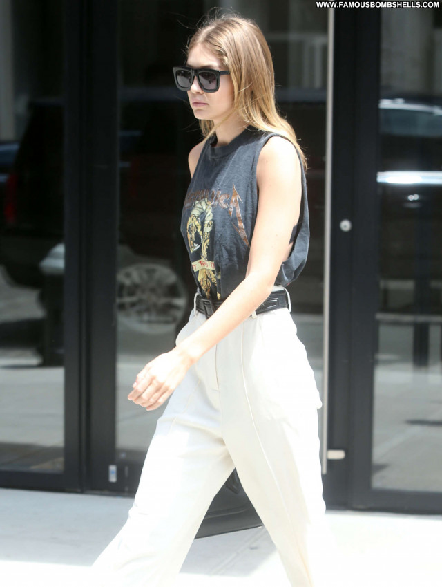 Gigi Hadid New York New York Beautiful Posing Hot Celebrity Paparazzi