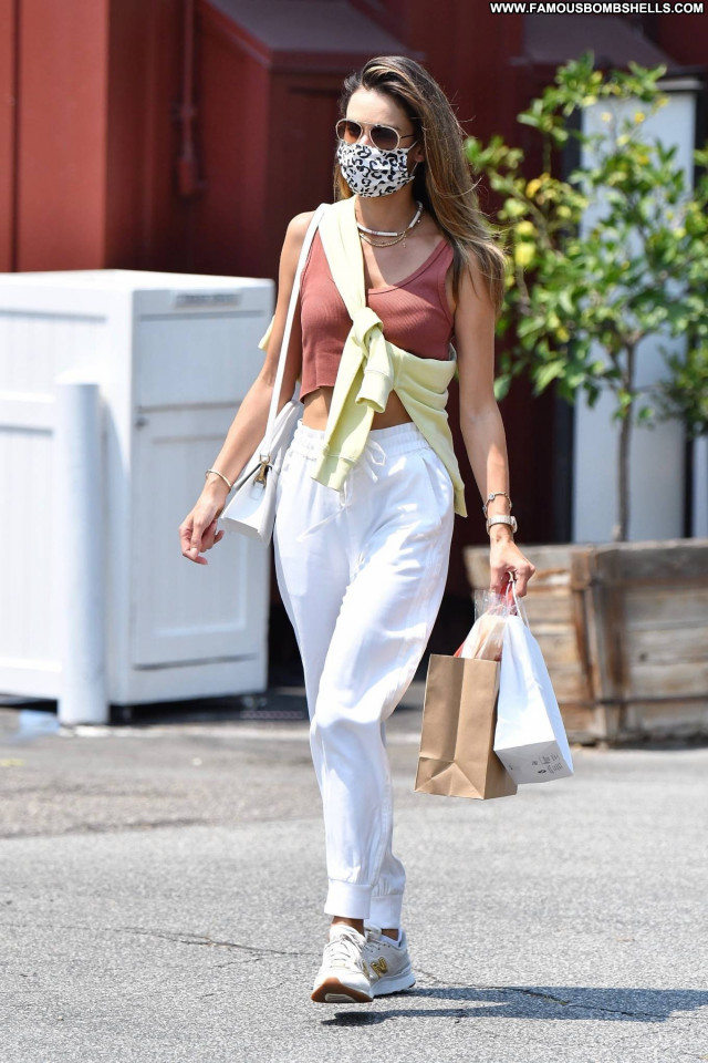 Alessandra Ambrosio No Source Babe Paparazzi Celebrity Beautiful