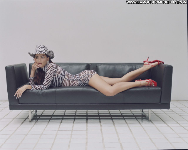 Emily Ratajkowski No Source Babe Beautiful Sexy Celebrity Posing Hot