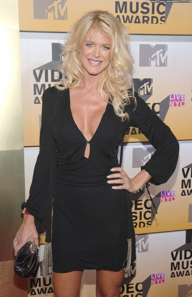 Victoria Silvstedt No Source  Celebrity Babe Posing Hot Beautiful